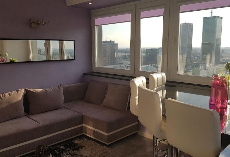 Centre Apartamenty Warszawa, Varsova, Deluxe-studiosviitti, 1 makuuhuone, Kaupunkinäköala, Olohuone