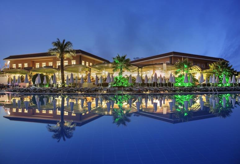 克里斯托帕拉伊索佛得角溫泉飯店, 貝萊克, 飯店入口 - 夜景