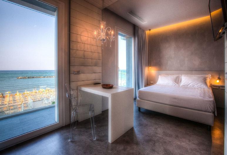Bell Suite Hotel, Bellaria-Igea Marina, Design sviit, terrass, vaade merele, Tuba