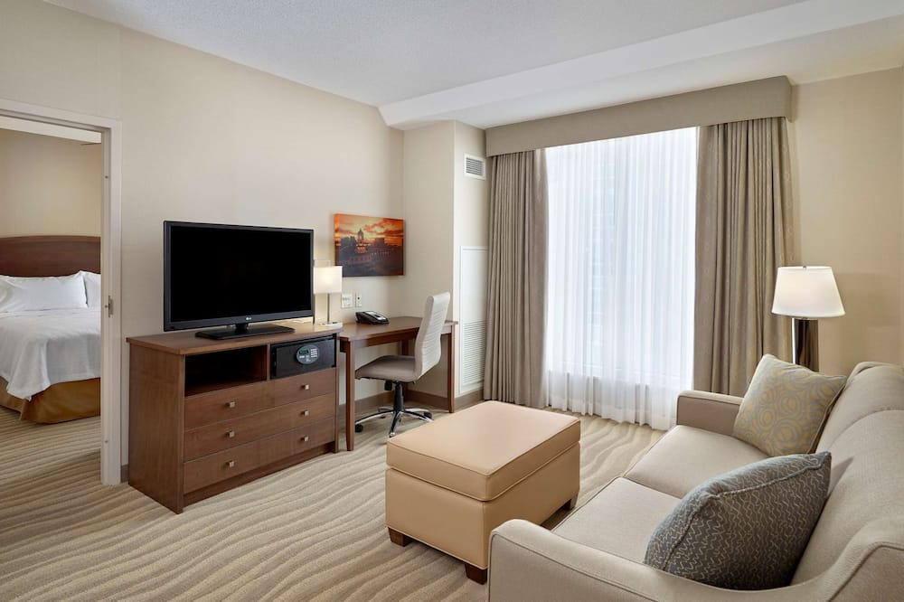 Suite, 1 King Bed, Harbor View - Living Area