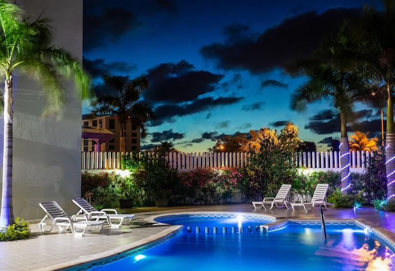 One Cancun Centro, Kankunas, Baseinas