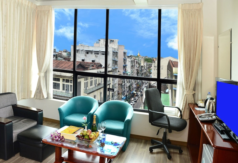 Hotel Grand United (Chinatown), Yangon, Deluxe Double or Twin Room, City View, Bilik Tamu
