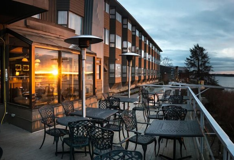 Crest Hotel, Принс-Руперт, Територія готелю