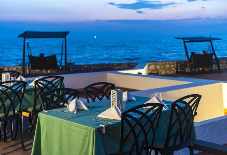 Le Bleu Hotel & Resort, Kusadasi, Outdoor Dining
