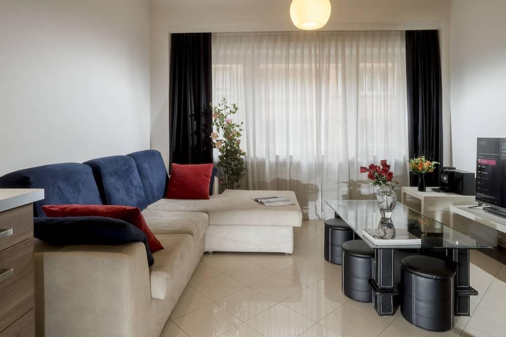 Executive Apartment, 2 Bedrooms - Living Room