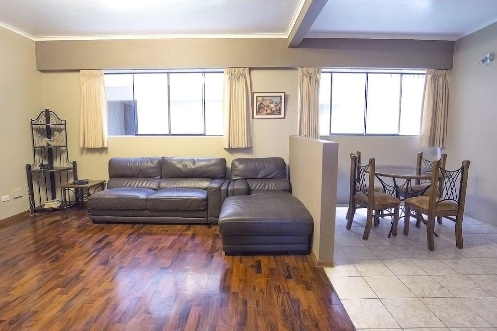 apartman, 2 hálószobával, konyha - Nappali rész