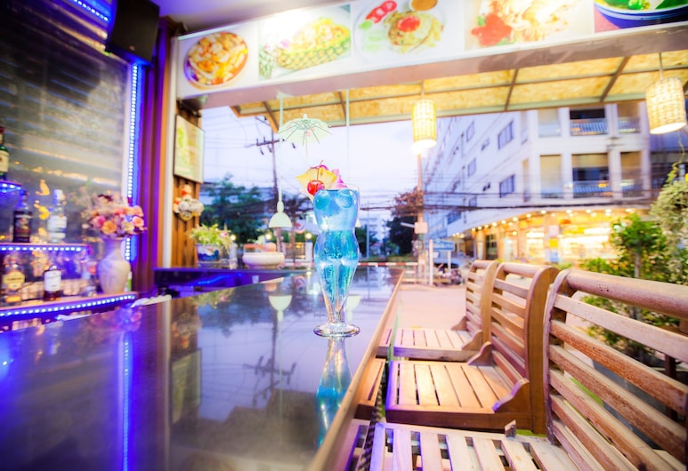 MVC Patong House, Patong, Hotel Bar