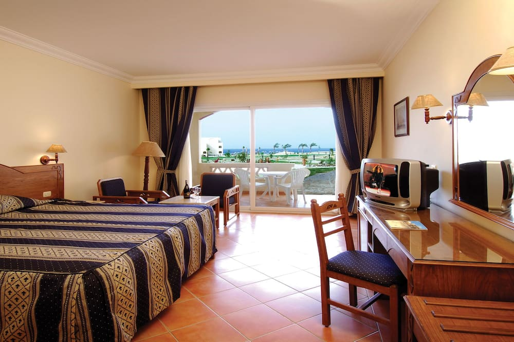 Double or Twin Room, Partial Sea View - Guest Room