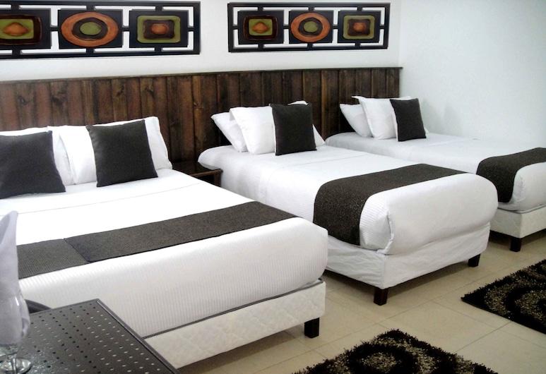 Hotel Boutique Embajada de la Feria, Bogotá, Quadruple Room, Guest Room