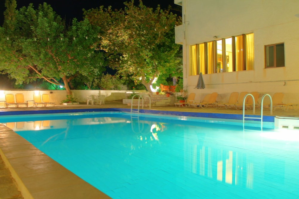 Hotel Esperides, Ιεράπετρα