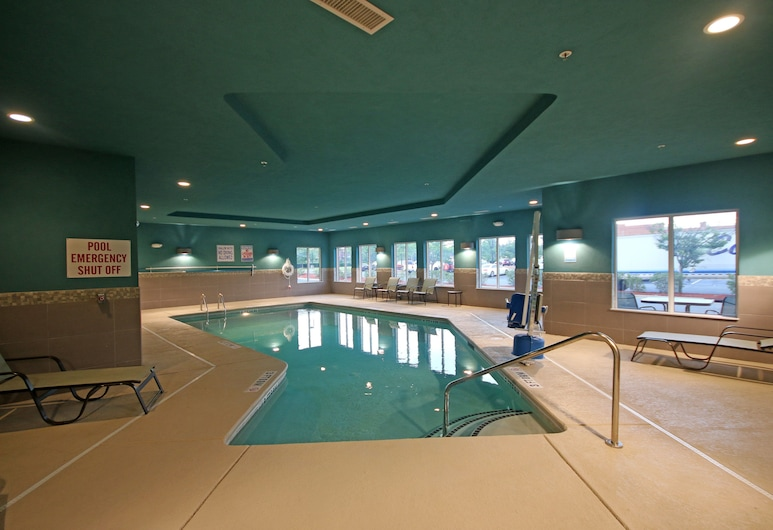 Holiday Inn Express & Suites Charlotte North, Charlotte, Piscina