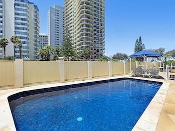 Picture of View Pacific Holiday Apartments in Surfers Paradise