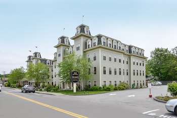 Picture of Bar Harbor Grand Hotel in Bar Harbor