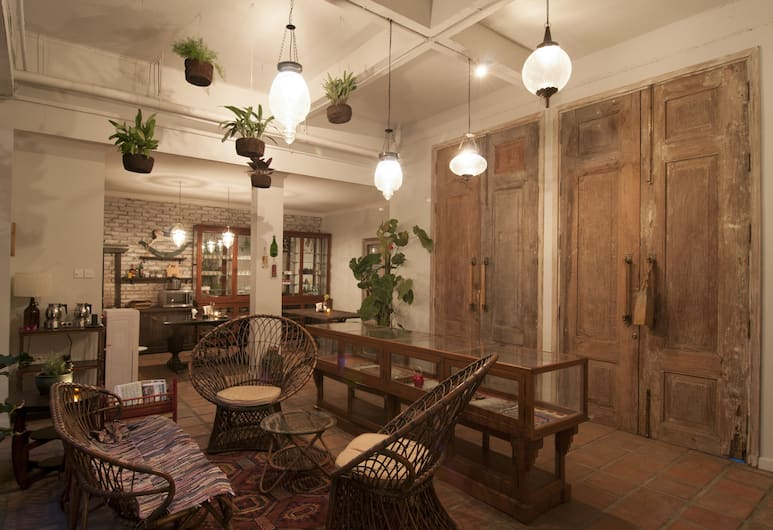 Brown Feather Hotel, Seminyak, Siddeområde i lobby