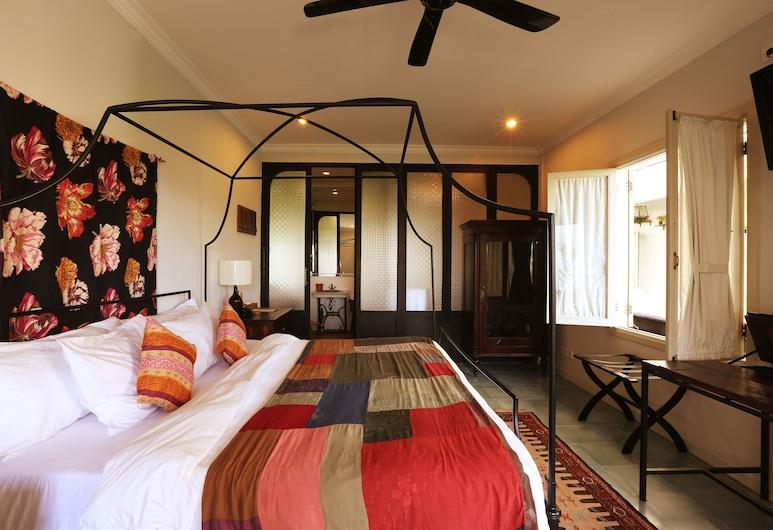 Brown Feather Hotel, Seminyak, Suite, Guest Room
