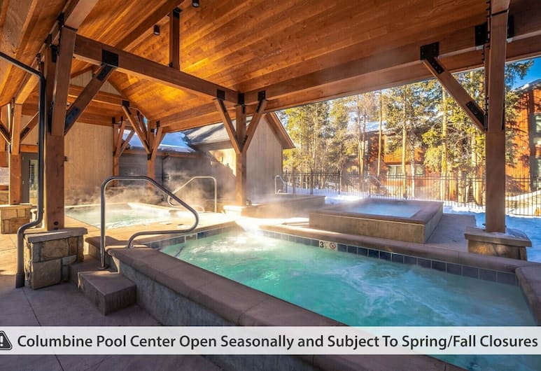 Lances West by Ski Country Resorts, Breckenridge, Outdoor Spa Tub