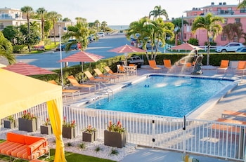 Foto di St Pete Beach Suites a St. Pete Beach