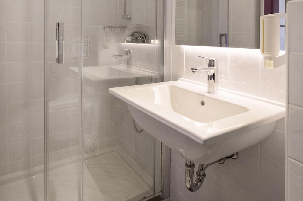 더블룸, 마당 전망 - 욕실