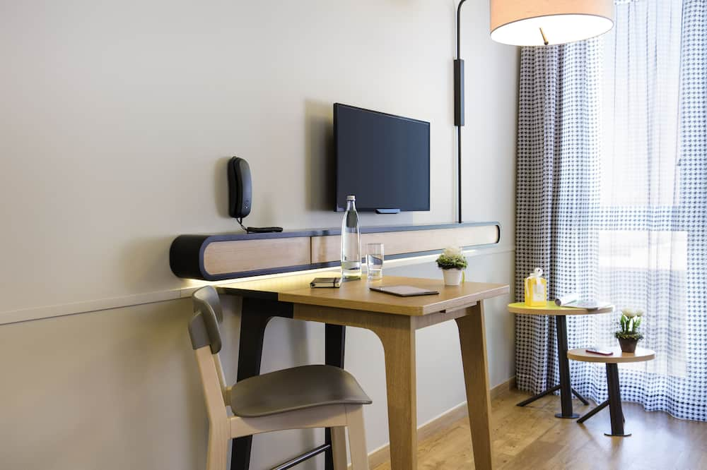 Studio, 1 Double Bed - In-Room Dining