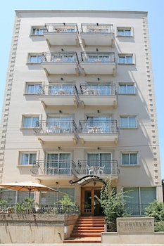 Picture of Chrielka Hotel Apartments in Limassol