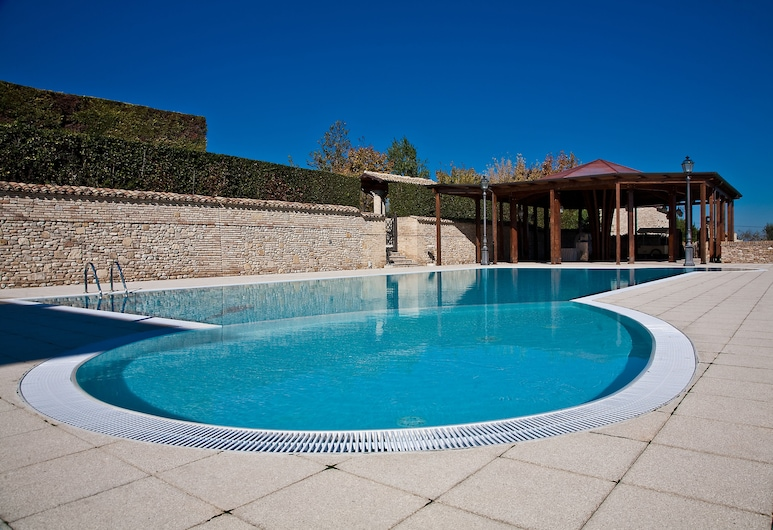 Hotel Castello di Septe, מוצגרוניה, בריכה חיצונית