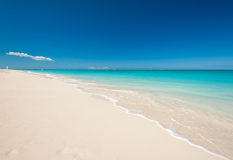 Island Club Turks, Providenciales, ชายหาด