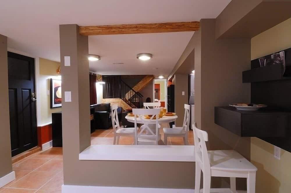 Domain Apartment - Room