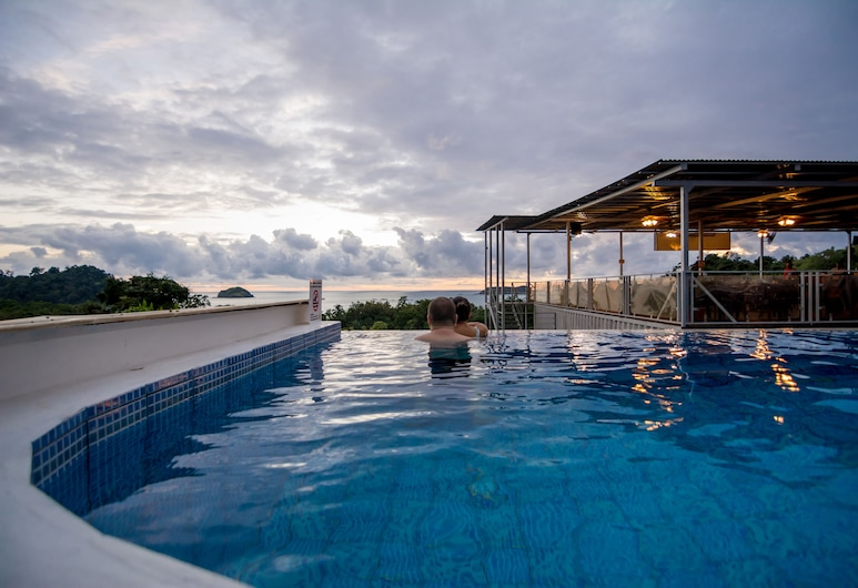 El Faro Containers Beach Hotel, Manuel Antonio, Outdoor Pool