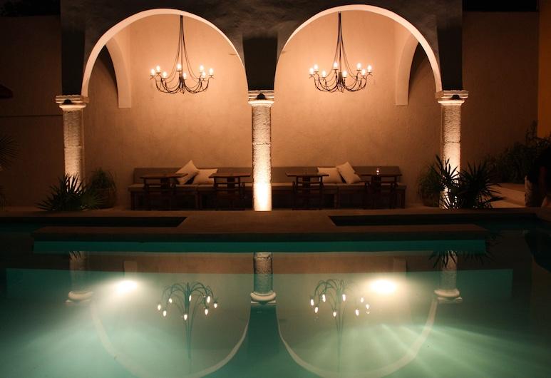 外交官精品飯店, Mérida, 游泳池