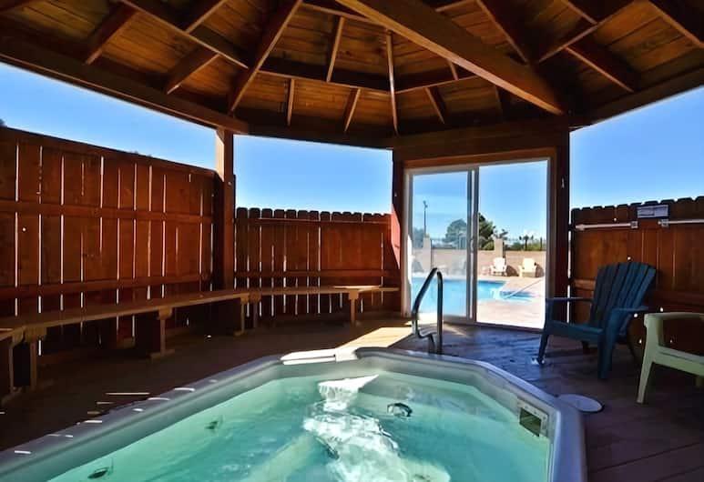 Rodeway Inn East, Albuquerque, Outdoor Spa Tub