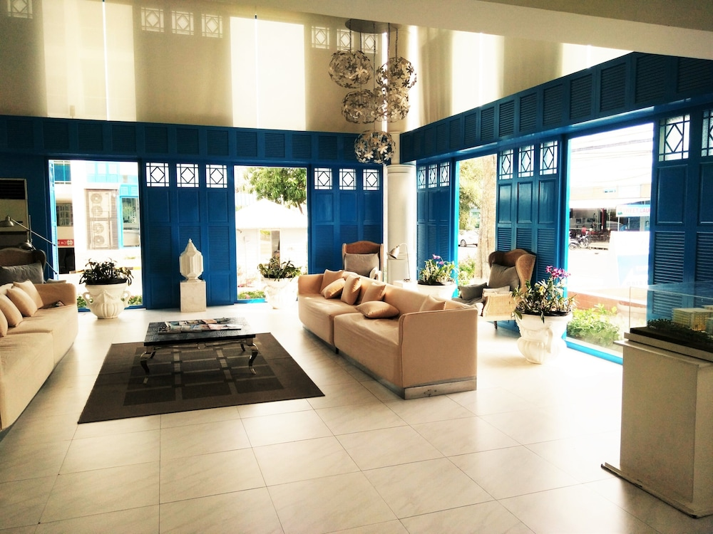 My Resort Service Apartment Hua Hin Interior Entrance