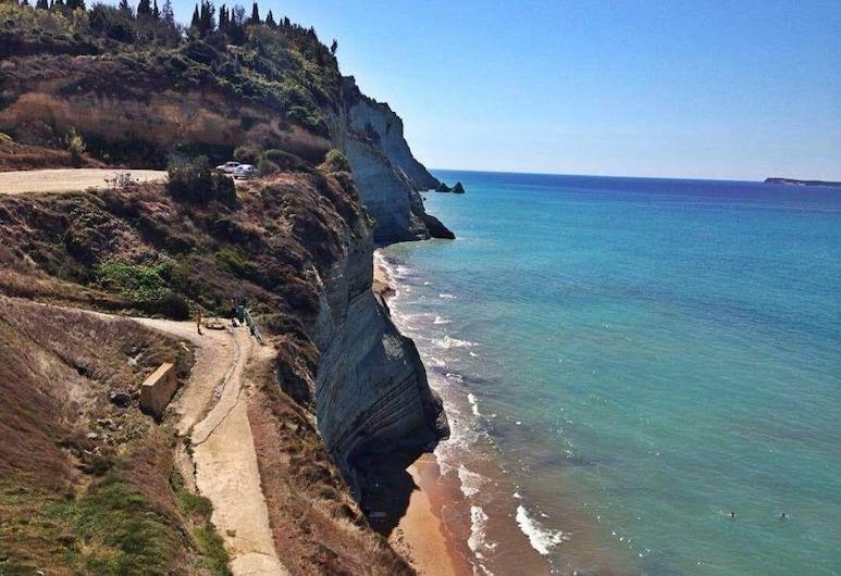 達米亞酒店, 科孚島, 海灘