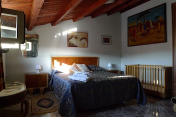 Seralcadio Bed & Breakfast and Holiday Apartments