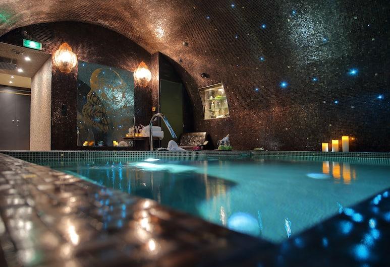 Hôtel Da Vinci & Spa, Paris, Indoor Pool