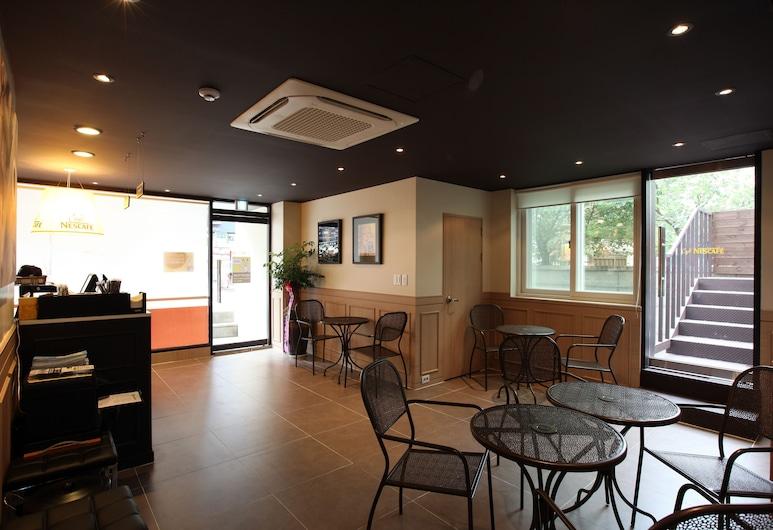 南山 24 號旅館, 首爾, 櫃台