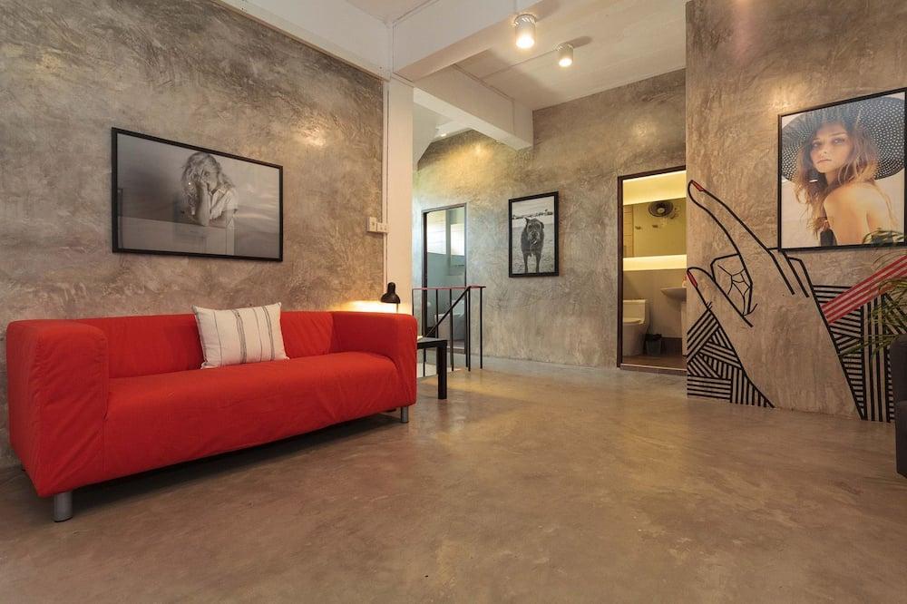 Shared Dormitory, 1 Bedroom, Terrace - Ruang Tamu