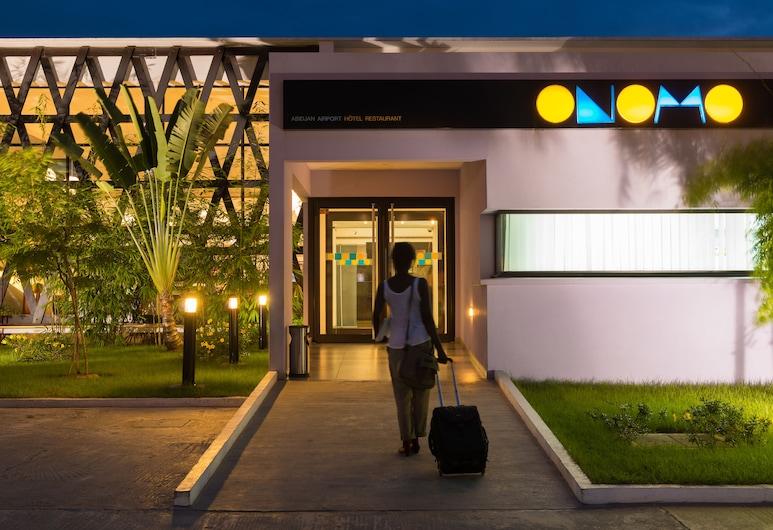 Hotel Onomo Abidjan Airport, Abidjan, Entrée de l'hôtel