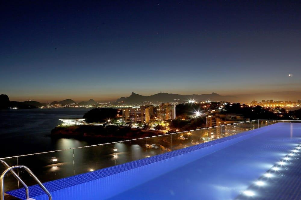 Teras Havuzu