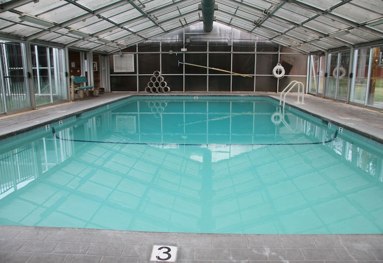 Bend Riverside Inn & Suites, בנד, בריכה מקורה