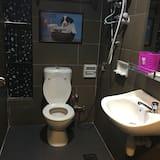 Superior Room, 1 Queen Bed - Bathroom