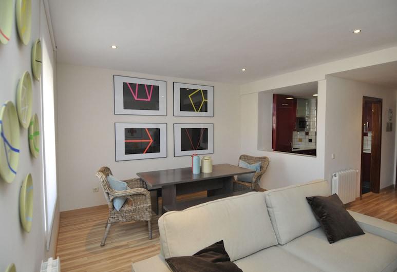 Mola! Suites, Madrid, Superior 2 bedroom apartment, Wohnbereich