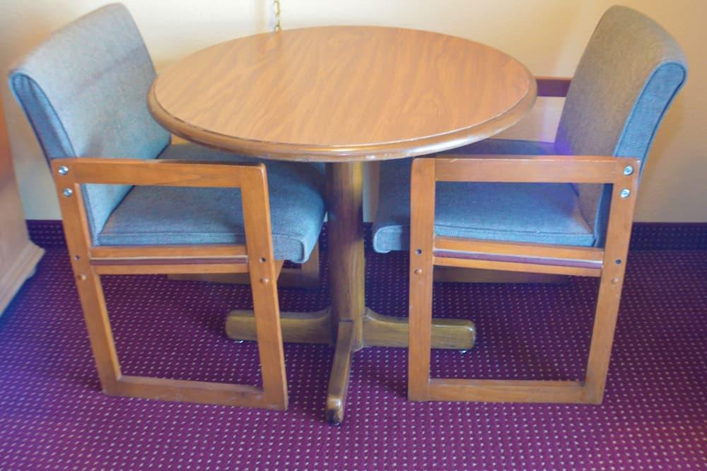 Pokój dla 2 osób Deluxe - Wyżywienie w pokoju