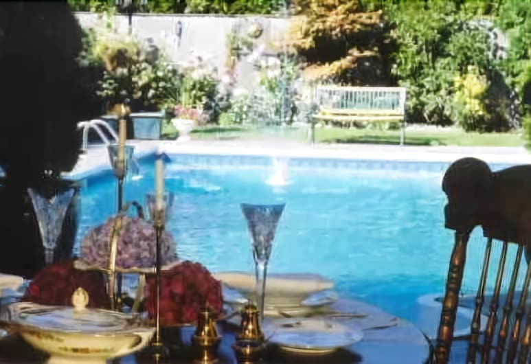 The Stone Hedge Bed and Breakfast, Richmond, Piscina all'aperto