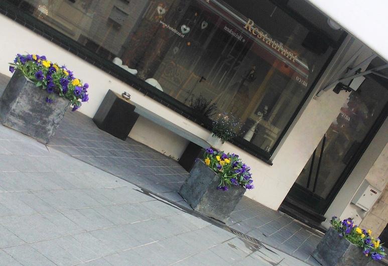 齊紮酒店, 赫爾河畔法肯堡