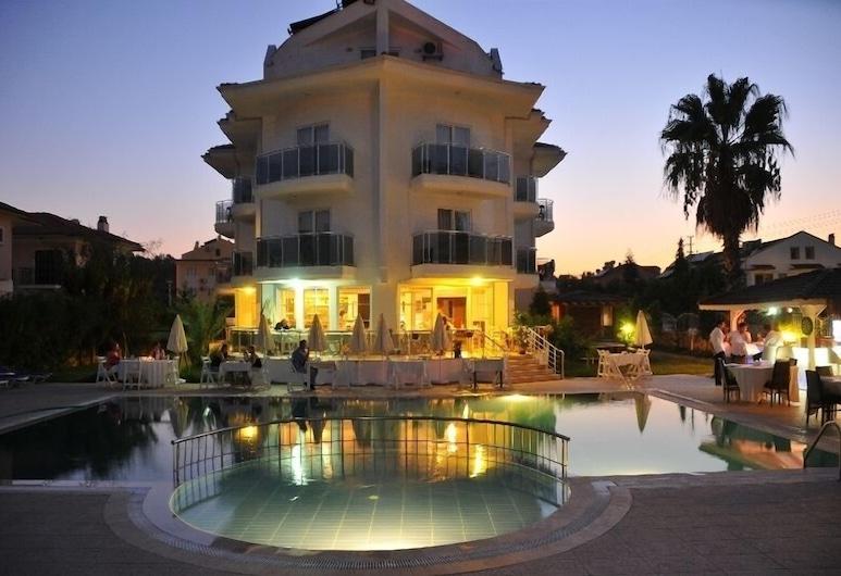 Nevada Hotel Spa, Fethiye, Otelin Önü - Akşam/Gece