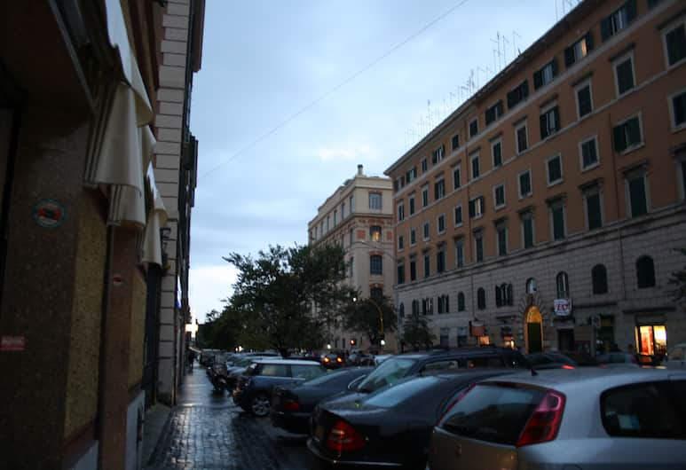 Rooms for you, Rome, Voorkant hotel