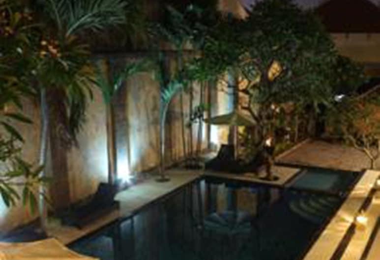 Radha Bali Hotel, Kuta, Pool