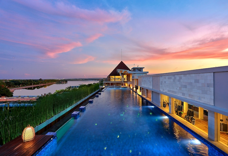 Mega Boutique Hotel & Spa Bali, Kuta, Sundlaug