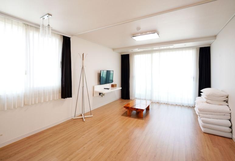 Swansea, Jeju City, Deluxe Double Room, Guest Room