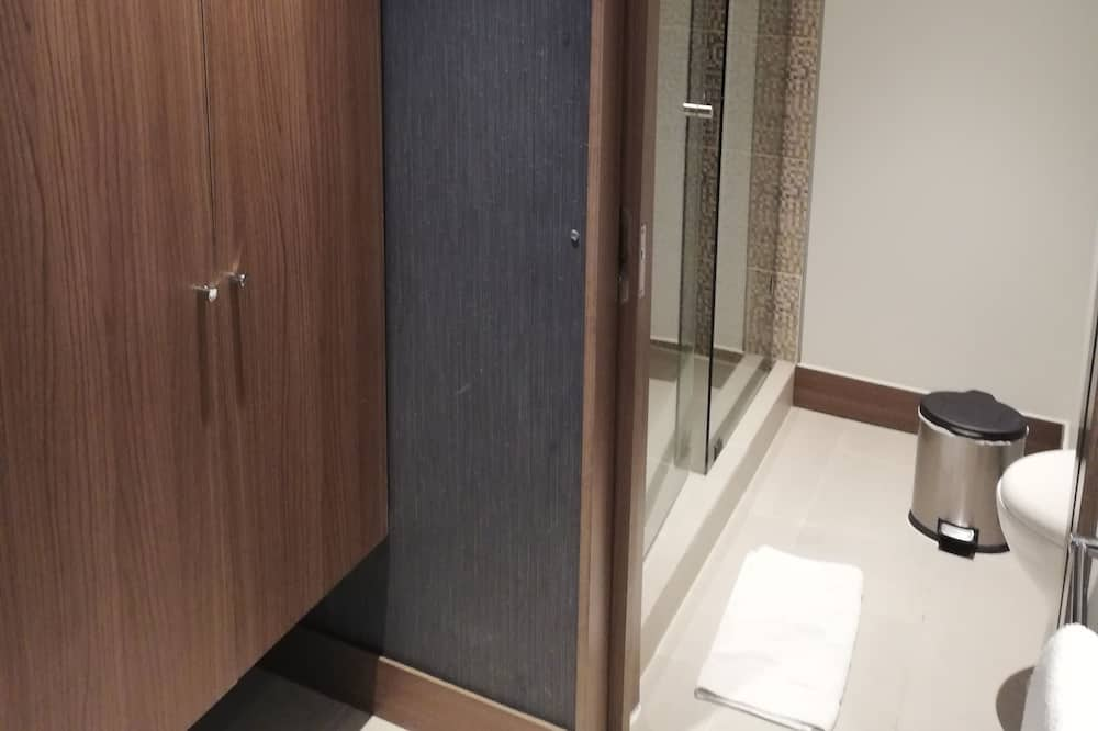 Izba, 2 jednolôžka - Kúpeľňa